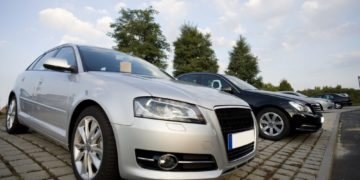 buying-a-used-car-with-cash-e1539906259118